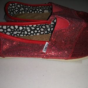 Classic red sparkle Toms